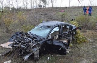 Silivri'de otomobil şarampole yuvarlandı: 2...