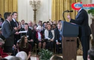 Trump'la tartışan muhabirin Beyaz Saray'a girişi...