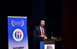 """""""Türkiye yerli ve milli, bir o kadar da evrensel..."""