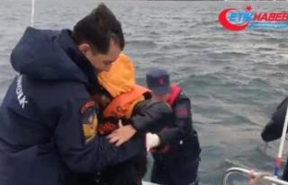 Yumurta Ada'da mahsur kalan 44 düzensiz göçmen...