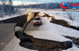 Alaska'da şiddetli deprem: Yollar çöktü, binalarda...