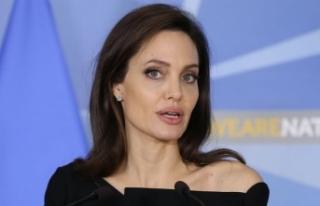 Angelina Jolie siyasete yeşil ışık yaktı