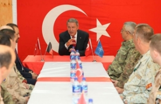 Bakan Akar: Ege'de, Akdeniz'de Türkiye ve KKTC'ye...