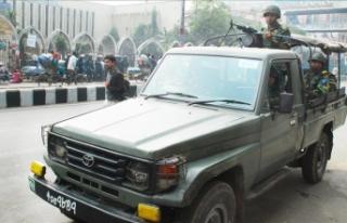 Bangladeş'te seçim öncesi güvenlik önlemleri...