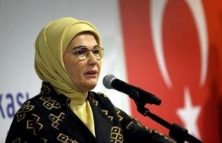 Emine Erdoğan: Ne aklımız ne kalbimiz alıyor çocuklara...
