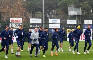 Fenerbahçe'de Giresunspor maçı hazırlıkları...