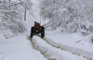 Sivas-Erzincan kara yolu ulaşıma kapandı