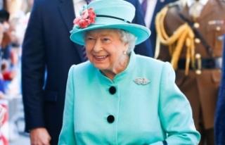 """Kraliçe II. Elizabeth Noel'de """"barış ve..."""