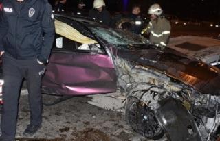 Makas attığı kazada otomobiller hurdaya döndü