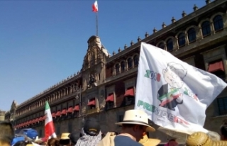 Meksika'nın yeni Devlet Başkanı Obrador yemin...