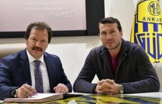 MKE Ankaragücü'nün yeni teknik direktörü...