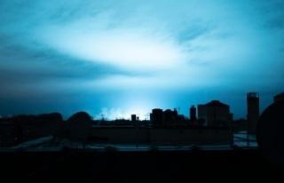 New Yorkluları korkutan mavi ışık trafo patlaması...