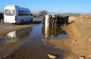 Ödemiş'te buzlanma kazalara yol açtı: 4 yaralı
