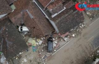 Endonezya'daki tsunamide ölü sayısı 400'e...