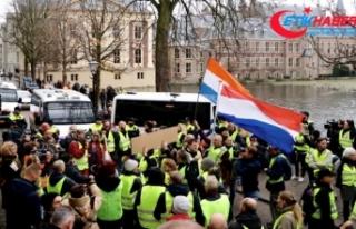 'Sarı yelekliler'in protestosu Hollanda'ya...