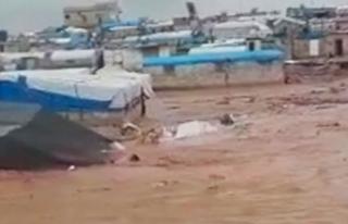 Suriye'de sel, 70 bin kişinin yaşadığı çadır...