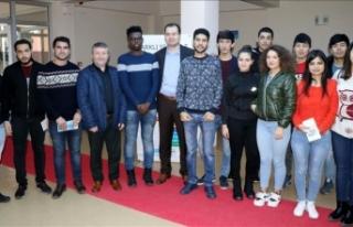 'Uluslararası öğrenciler 3 ayda Türkçe'yi...