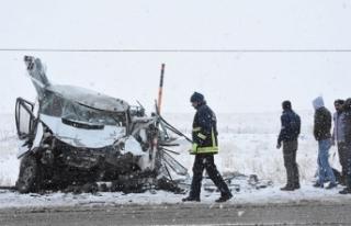 Van'da zincirleme trafik kazası: 8 yaralı