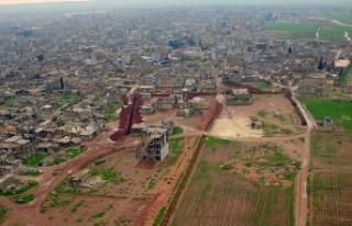 YPG/PKK'nın Ayn el-Arap'ta kazdığı hendek...