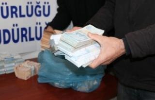 1 milyon 482 bin liralık soygunun şüphelileri yakalandı,...