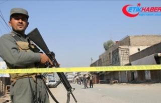 Afganistan'da askeri üsse bombalı saldırı:...
