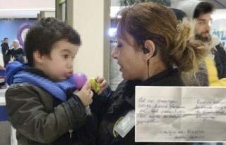 Anne, 3 yaşındaki oğlunu AVM'de cebine not...