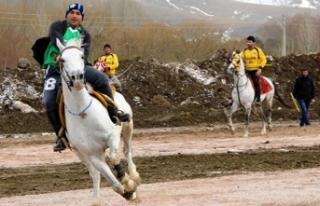 Asırlık gelenek cirit, Bayburt'ta yaşatılıyor