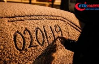 Başkente yeni yılın ilk karı yağdı
