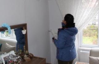 Binalardaki çatlaklar ev sahiplerini endişelendiriyor