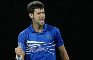 Djokovic 'klasik final'de zorlanmadı