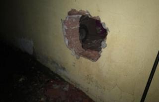 Duvarı delerek eve giren 7 hırsızlık şüphelisine...