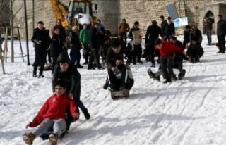 Erzurum'da 'Geleneksel Kızak Şenliği'...