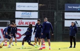 Fenerbahçe'de Göztepe maçı hazırlıkları...