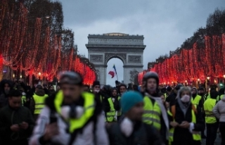 Fransa'da izinsiz gösteriler ve şiddet olayları...