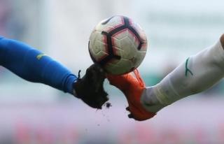 Futbolseverler gole doydu