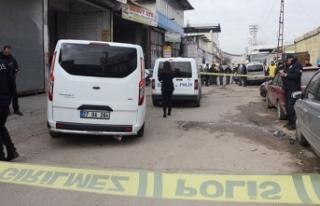 Gaziantep'te oto boyacısı başından vurularak...