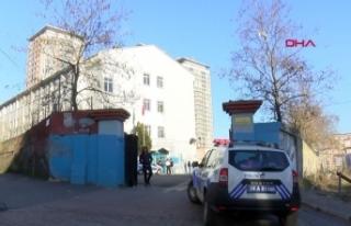 Gaziosmanpaşa'da lise önünde kavga
