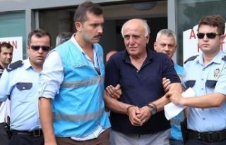 Hakan Şükür'ün babasına FETÖ üyeliğinden...