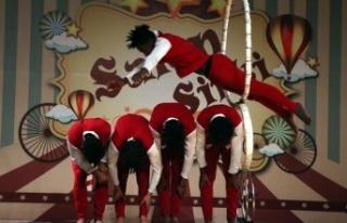 Hayvansız eğlendiren 'salon sirki'
