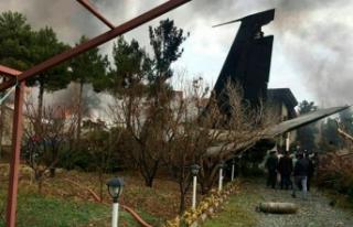 İran'da kargo uçağı düştü