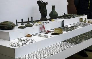İstanbul'da 11 farklı tarihi eser operasyonu