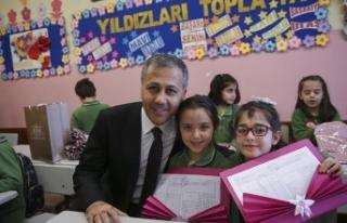İstanbul'da 2 milyon 741 bin öğrenci karne...