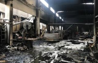 İzmir'de, sanayi bölgesindeki yangında 6 işletme...