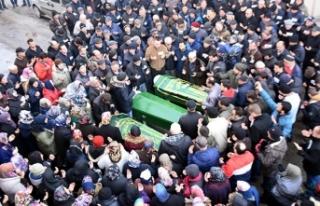 Kazada ölen 8 kişi, gözyaşlarıyla uğurlandı