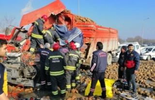 Konya'da sisli yolda 10 araç birbirine girdi:...