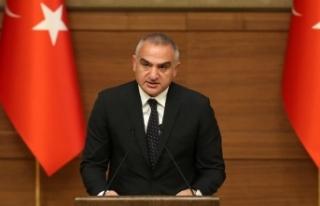 Kültür ve Turizm Bakanı Ersoy: Bu tören sanatçılara...