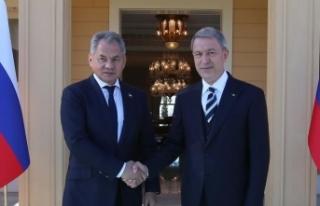 Milli Savunma Bakanı Akar ile Rus mevkidaşı Suriye'yi...