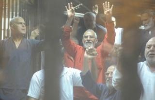 Mısır'da İhvan yöneticilerine beraat