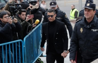 Ronaldo'ya 23 ay hapis ve 18,7 milyon avro para...