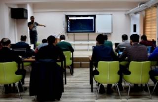 Siber güvenlik uzmanı yetiştirmek için eğitim...